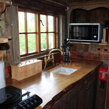 dog friendly cottages wales, dog friendly glamping, self catering group accommodation